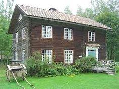gamle laftehus med fin dør