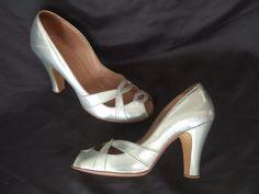 UK 3.5 Vintage 1950s silver peep toe leather shoes by Lilley & Skinner @ StellaRoseVintage on Etsy