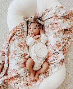 Cute Baby Photos, Newborn Baby Photos, Newborn Pictures, Baby Outfits Newborn, Baby Girl Newborn, New Baby Pictures, Monthly Baby Photos, Cute Baby Girl Outfits, Cute Baby Clothes