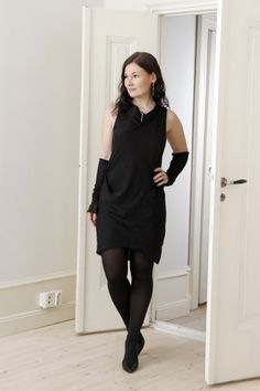 knitted silk-mohair arm warmers with a lace detail Refashioning, What I Wore, Lace Detail, Arm Warmers, All Black, Silk, My Style, How To Wear, Dresses