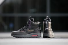 separation shoes 8df81 47153 Nike Air Max 1 Mid Sneakerboot Black Bright Crimson - 807307-001