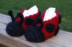 Little Ladybug Slippers #worsted #crochet