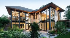 Custom Home Courtyard Bungalow - Christopher Simmonds Architect
