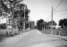 Carling Avenue and Merivale Road 1925 Old Pictures, Old Photos, Canadian Forest, Capital Of Canada, Ottawa Ontario, Canadian History, Mysterious Places, Ol Days, Paths