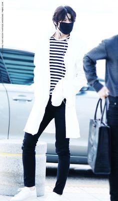 Leo airport fashion FY! VIXX : Photo
