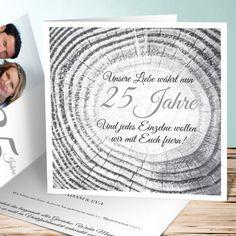 """Einladung zur Silberhochzeit mit einem schönen Text: """"Unsere Liebe währt nun 25 Jahre. Und jedes Einzelne wollen wir mit Euch feiern!"""". #Hochzeitspapeterie #einladungskarten #silberhochzeit"""