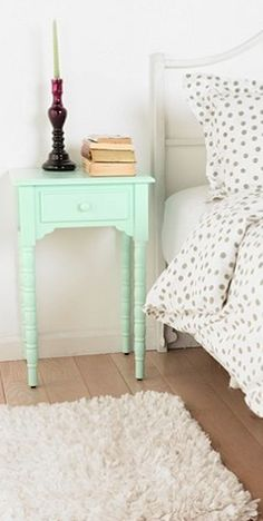 cute #mint side table http://rstyle.me/n/hrifar9te
