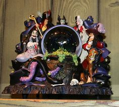 Disney Villains group snow globe water globe snowglobe jafar Aladdin Ursula little mermaid scar lion king cruella de ville 101 dalmations captain James hook Peter Pan maleficent sleeping beauty Walt Disney, Cute Disney, Disney Pins, Disney Magic, Water Globes, Snow Globes, Disney Snowglobes, Disney Rooms, Disney Playroom