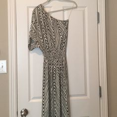 Tbags Los Angeles maxi dress Beautiful one shoulder black and white silky texture maxi dress Tbags Los Angeles Dresses Maxi