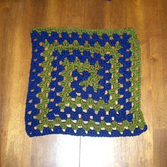 Ravelry: Free SmoothFox's Spiral Granny Square or Blanket pattern by Donna Mason-Svara