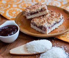 Коцки со џем и кокос / Jam and coconut slice