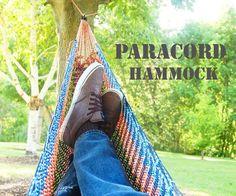 Paracord Hammock Every survival scenario needs time to include time to relax. A paracord hammock is just the solution. - 46 Paracord Project DIY Tutorials - Big DIY Ideas