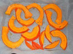 Pieczona dynia hokkaido Orange, Fruit, Food, Hokkaido, Essen, Meals, Yemek, Eten