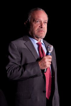 Robert Reich: How Increasing Numbers of Americans are Saying 'No Deal' to Absurd Inequality Iowa, Glenn Greenwald, Robert Reich, Economic Justice, People Of Interest, State Of The Union, Important People, Sport Man, Vietnam War