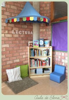 Rincón de lectura Preschool Reading Area, Preschool Rooms, Preschool Classroom, Kids Reading, Reading Nook, Kindergarten, Classroom Setup, Classroom Design, Reading Display