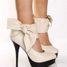So cute. Love the bows.