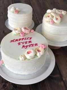 Komplet guide til hjemmelavet bryllupskage - fines.dk Mousse, Fondant, Bakery, Sweets, Eat, Guide, Weddings, Film, Pastry Chef