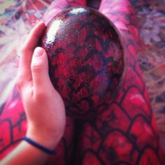 It's an dragon egg!  #diy #egg #ostrich #GoT #dracarys