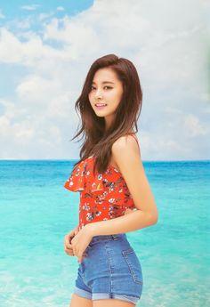 "TWICE look amazing in ""Dance The Night Away"" album pictures – Asian Junkie Nayeon, Kpop Girl Groups, Kpop Girls, Tzuyu Body, Twice Chaeyoung, Chou Tzu Yu, Tzuyu Twice, Dance The Night Away, Beautiful Asian Girls"