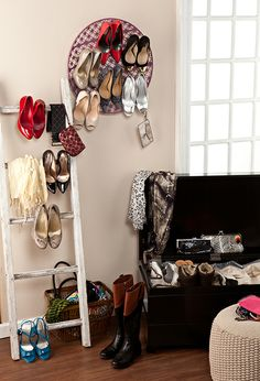 Unique ways to organize your closet with Holly & Martin #hollyandmartin #storage #closets