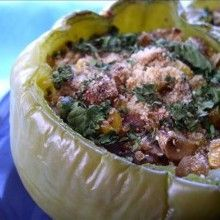 Quinoa-Stuffed Green Bell Peppers quinoa sweet green peppers oil onion mushrooms frozen or canned corn kernels fresh coriander fresh cilantro or parsley soy sauce sesame oil garlic red pepper flakes fresh whole wheat bread crumbs Best Quinoa Recipes, Vegetarian Recipes, Healthy Recipes, Healthy Foods, Healthy Dishes, Meal Recipes, Yummy Recipes, Dinner Recipes, Ground Turkey Stuffed Peppers