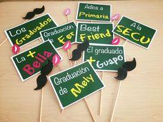 props personalizados para graduación de primaria