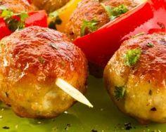 Boulettes en brochettes créoles pimentées : http://www.fourchette-et-bikini.fr/recettes/recettes-minceur/boulettes-en-brochettes-creoles-pimentees.html