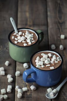 hot cocoa in vintage mugs