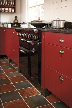 2014 : Tous les messages (Page - El' Lefébien Kitchen Items, Kitchen Decor, Beautiful Kitchens, Red And White, Kitchen Cabinets, Interior, House, Cherry Red, Dit