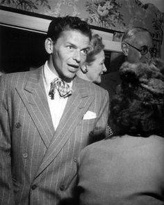 Frank Sinatra, candid