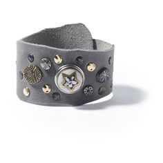 The Nivkh single wrap bracelet has a unique shape and is made from naturally tanned leather. The bracelet is fastened with the use of a pin. The hand-beaten NOOSA studs on the bracelet Of Brand, Cuff Bracelets, Studs, Belt, Pure Products, Ring, The Originals, Amsterdam, Grey