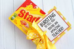 Need some simple teacher appreciation gifts-try these fun gift tags that coordinate with candy bars. All you need to do is buy the candy bar and add the tag! Employee Appreciation Gifts, Teacher Appreciation Week, Teacher Gifts, Volunteer Appreciation, Staff Gifts, Employee Gifts, Nurse Gifts, Candy Puns, Candy Bar Gifts