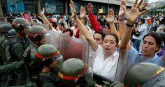 """Los dirigentes de la MUD afirmaron que la represión no los detendrá. """"Vamos a llegar al CNE"""", afirmó Henrique Capriles ÁLEX VÁSQUEZ S. / ALVASQUEZ@EL-NACIO"""