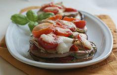 Millefoglie di melanzane, pomodori e mozzarella, ricetta light - Cucina veloce e sana