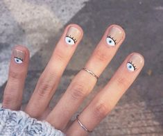 80 Awesome Minimalist Nail Art Ideas - You are in the right place about Beauty mask Here we offer you the most beautiful pictures about t - Minimalist Nails, Dry Nails, Pretty Nail Art, Manicure E Pedicure, Halloween Nail Art, Easy Halloween, Nail Inspo, Nails Inspiration, Beauty Nails