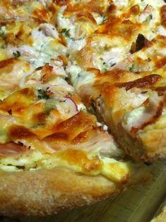 Roast Garlic & Chicken on Cream Cheese Pizza