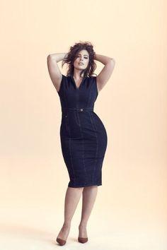 Das sind die Top-Fashion Trends 2018 - Dark Denim Dress worn by Plus Size Model Ashley Graham for Marina Rinaldi Big Girl Fashion, Curvy Fashion, Plus Size Fashion, Fashion Top, Cheap Fashion, Fashion Styles, Womens Fashion, Trendy Fashion, Fall Fashion