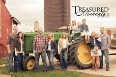 Family pictures with tractor Farm Family Pictures, Tractor Pictures, Large Family Photos, Family Picture Poses, Fall Family Photos, Picture Ideas, Photo Ideas, Family Posing, Photo Tips