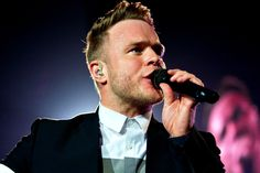 Up-close with Olly Murs preforming on his 2016 UK Tour