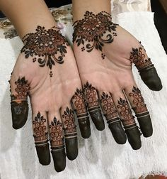 Simple mehndi designs for hands to kick start the ceremonial fun. If elaborate henna designs are a bit too much for you, then check out these henna designs. Dulhan Mehndi Designs, Mehandi Designs, Mehndi Designs For Girls, Mehndi Designs For Beginners, Modern Mehndi Designs, Mehndi Design Pictures, Beautiful Henna Designs, Latest Mehndi Designs, Arabic Mehndi Designs
