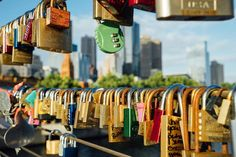 Love locked down ❤🔐 . . . . . . #ArrivalGuides #travel #melbourne #australia #valentines #vday #lovelocks #love