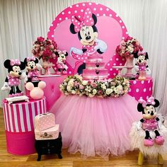 Minnie Mouse Birthday Decorations, Girl Baby Shower Decorations, Mickey Birthday, Baby Girl Birthday, Diy Birthday, Birthday Balloons, Minie Mouse Party, Minnie Mouse Theme Party, Minnie Mouse Pink