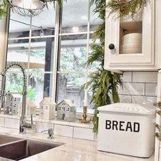 Bread Bin, Enamel Bread Box, Vintage Bread Box
