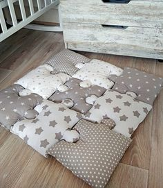 Puzzle Baby Play mat with Star Puzzle Baby Play mat If you want to protect your child against unsuccessful acquaintance with the adamant world around a. Baby Boy Rooms, Baby Bedroom, Baby Room Decor, Baby Boy Nurseries, Kids Bedroom, Baby Boys, Quilt Baby, Baby Room Design, Nursery Design