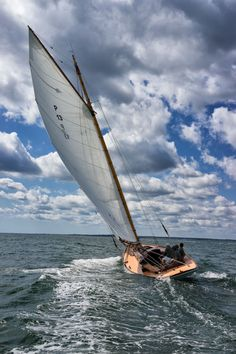 Wooden Boat Plans For Free 7829873498 Small Sailboats, Classic Sailing, Full Sail, Float Your Boat, Yacht Boat, Boat Dock, Sail Away, Set Sail, Boat Plans