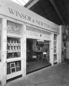 Winsor and Newton Wembley store