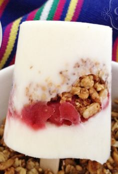 Yogurt Parfait Popsicle #freezercooking #breakfast #oamc #summer