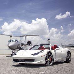 Online-Luxusmagazin – TheMilliardaire - just luxux Jets Privés De Luxe, Luxury Jets, Luxury Private Jets, Luxury Yachts, Luxury Motors, Jet Privé, Luxury Helicopter, Ferrari 458, Luxury Living