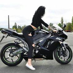 Black kawasaki ninja Motorcycle and biker girl ninja Motorbike Girl, Bobber Motorcycle, Ninja Motorcycle, Lady Biker, Biker Girl, Bobbers, Best Motorcycle For Women, Gp Moto, Ninja Girl
