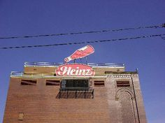 Pittsburgh Signs  « Chez Kimberly | Main | The Pittsburgh Experiment »    Heinz Ketchup    Photographer: Mark Stroup  Date: February 28, 2004  Place: Chestnut and North Canal, North Side